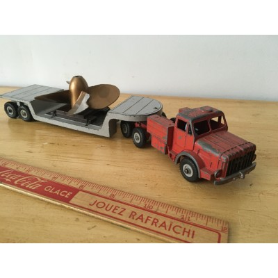 Camion low loader