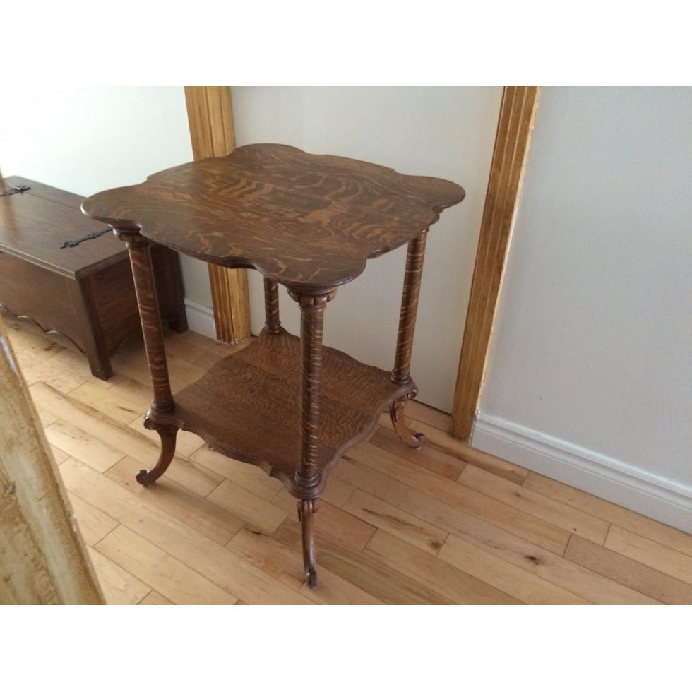 table antique. Black Bedroom Furniture Sets. Home Design Ideas